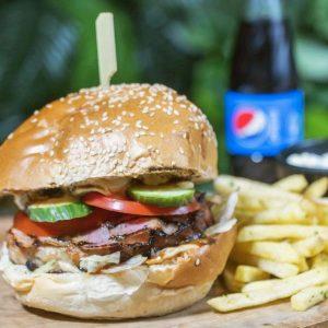 Bacon PorkStar Burger + cartofi prăjiți cu pătrunjel și condimente + sos de maioneza cu usturoi + suc gama Pepsi 0.25 delivery livrare food comanda order Bucuresti